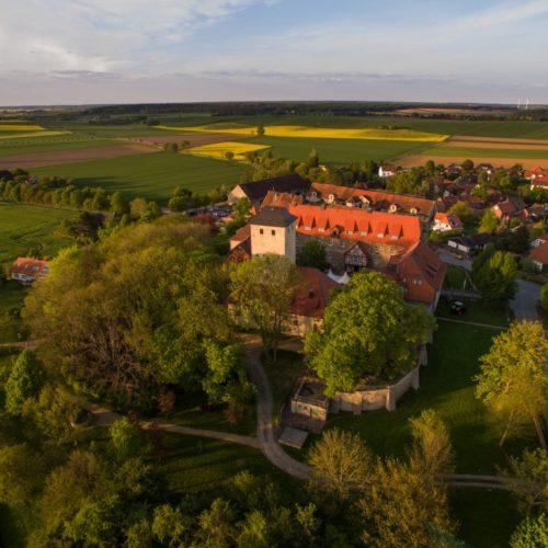 Warberg mit Burg